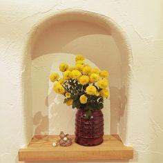 お花を飾って、温かみのある素敵な空間に。