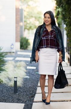 Stumped on how to wear a white denim skirt without looking dated? We've rounded up some of our favorite white denim skirt outfits along with some cool places to buy them. White Skirt Outfits, White Denim Skirt, White Skirts, Denim Skirts, Cute Flannel Outfits, Cute Winter Outfits, College Skirt, Blue Suede Pumps, Business Outfits