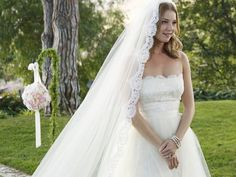 Emily Thorne's Wedding Dress and cathedral veil- Revenge Wedding- Prime Time TV Weddings - KnotsVilla