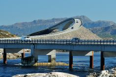Storseisund bridge between Eide in Romsdal and Averøy island in Nord-Møre. Photo: Jarle Wæhler