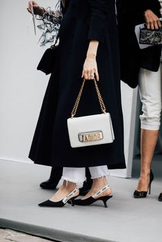 Dior at paris fashion week paris fashion, luxury fashion, fashion autumn fashion Fashion Casual, Casual Chic, Fashion Bags, Luxury Fashion, Womens Fashion, Fashion Trends, Fashion Fashion, Fashion Jewelry, Fashion Week Paris