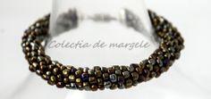 Montezuma's gold - corchet beading bracelet www.colectiademargele.ro Montezuma, Beading, Beaded Bracelets, Crochet, Gold, Collection, Jewelry, Beads, Jewlery