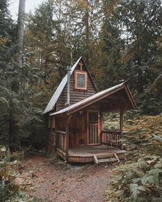 "ROAM THE PLANET on Instagram: ""Simple living. Skykomish, Washington.  by: @rodtrvn Share your story: #roamtheplanet"""