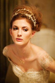 White, Black and Gold Wedding Make up. Wedding Inspiration