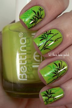 Image via Beautiful bunny on green grass, manicure for girls. Image via Beautiful green nail art design for St. Image via St. Patrick's day nail art Image via I Fancy Nails, Love Nails, Diy Nails, Green Nail Art, Green Nails, Black Nails, Nail Designs Spring, Nail Art Designs, Nails Design