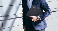 Самый тонкий ультрабук Lenovo ThinkPad X1 Carbon официально вСНГ http://itzine.ru/news/gadgets/lenovo-thinkpad-x1-carbon-official.html  Компания Lenovo впечатляющим образом произвела обновление своей линейки фирменных ультрабуков, дополнив её модельюThinkPad X1 Carbon. За счёт углеволоконного корпуса она является самой тонкой вмире, однако сохраняет прочность предыдущих вариантов иоснащена под завязку нужными функциями. Lenovo ThinkPad X1 Carbon доступен вСНГ официально Ультрабук…