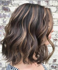 50 Dark Brown Hair with Highlights Ideas for 2019 - Hair Adviser Want to spice up your dark brown hair with highlights? Congrats, besides traditional blonde and caramel highlights you've got plenty of other options. Brown Hair Balayage, Brown Blonde Hair, Light Brown Hair, Blonde Honey, Red Hair, Violet Hair, Burgundy Hair, Blonde Balayage, Brown Hair Foils