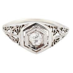 La bague Diamond Hexagon d'Esqueleto
