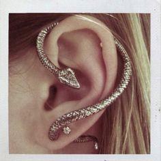 snake earring. Amazing!!