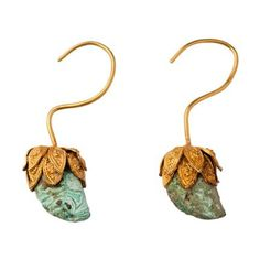 .A Pair of Antique Gold and Turquoise Earrings Chinese, Song Dynasty 12th Century Length: 9cm