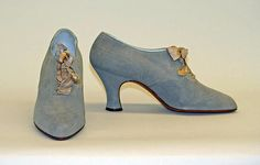 Shoes Manufacturer: Bob, Inc., N.Y. (American) Date: 1926–35 Culture: American Medium: leather Dimensions: Length: 9 in. (22.9 cm) Height (of heel): 2 7/8 in. (7.3 cm)