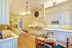 A full kitchen gets a modern makeover with some white paint and hardwood flooring. It comes with a r... - Sotheby's International Realty