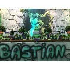 Festa Hulk para Bastian! Decoração e Personalizados: @corujiceventos Espaço, Buffet e equipe: ... Hulk Birthday Parties, Ben 10 Birthday, Incredible Hulk Party, Cool Photos, Avengers, Party Ideas, The Incredibles, Instagram, Fiestas