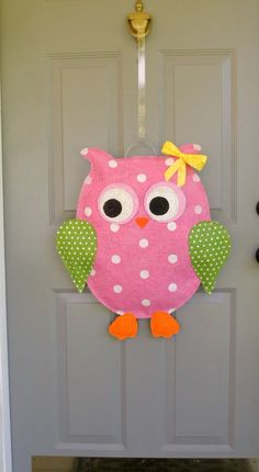 Pink Owl Burlap Door and Wall hanger by AllUniqueThings on Etsy, Burlap Projects, Burlap Crafts, Craft Projects, Burlap Owl, Burlap Wreath, Cute Crafts, Felt Crafts, Painting Burlap, Door Crafts