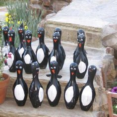once you make all your bottle penguins, why not play a game of penguin bowling? Bowling Ball Crafts, Bowling Ball Art, Bowling Party, Bowling Pins, Penguin Craft, Penguin Baby, Baby Penguins, Crafts To Make, Fun Crafts