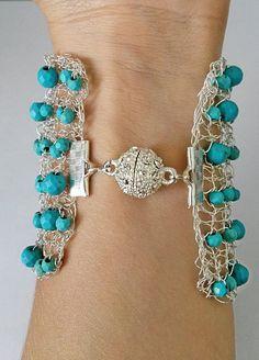 Wide Turquoise wire knitted bracelet cuff di LavishGemstone