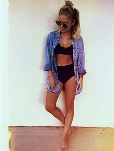 Simple black bikini and denim shirt // relaxed beach outfit Summer Wear, Spring Summer Fashion, Summer Outfits, Cute Outfits, Bikinis, Swimsuits, Easy Style, Outfit Strand, Looks Party