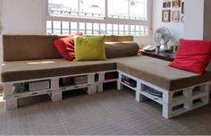So many awesome ways to use pallets! I love the Sofa/Bed and Bookshelf!