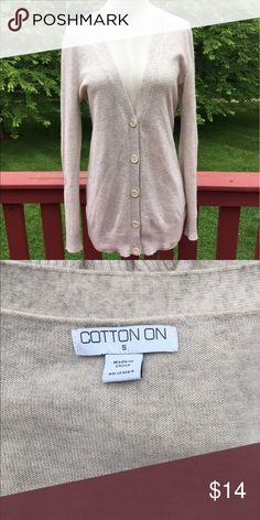 ⭐️Cream Colored Cotton On Cardigan⭐️ ⭐️Cream Colored Cotton On Cardigan⭐️ Size small. Good condition-minor signs of usage. Next day shipping. All sales are final. Cotton On Sweaters Cardigans