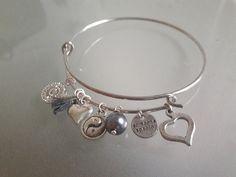 Armreife - Armreif Charm silber grau Perle Herz Love Peace - ein Designerstück von SchmuckKitchen bei DaWanda