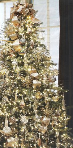 gold christmas tree | Christmas Tree - Gold Theme | Christmas...absolutely beautiful