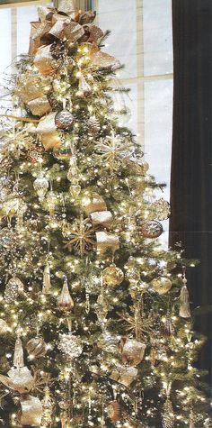 gold christmas tree | Christmas Tree - Gold Theme | Christmas...absolutely beautiful