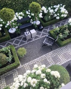 Beautiful Garden Pictures For You Fantastic Side Yard Garden Design Ideas For Your Beautiful Home Side Inspiration _ Fantastic Side Yard Garden Design Ideas For Your Beautiful Home Side Inspiration _ White Gardens, Small Gardens, Outdoor Gardens, Amazing Gardens, Beautiful Gardens, Beautiful Beautiful, Beautiful Pictures, Diy Jardin, Small Backyard Landscaping