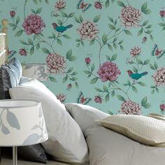 Un imprimé où oiseaux cotoient fleurs de saison épanouies dans des teintes joyeuses et féminines : c'est le charme à l'anglaise !