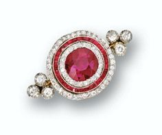 Beautiful Rubies and Diamonds Brooch, Circa 1900, set with Natural, Burmese Ruby.