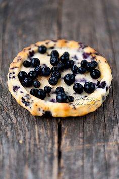 Blueberry tart photography