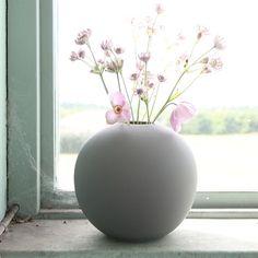 Ball Vase Grey