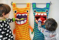 O final de semana está chegando!!! O que acha destes bichinhos para guardar os brinquedos ou roupas sujas das crianças?