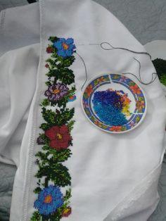 Cross Stitch Kitchen, Diy And Crafts, Embroidery, Feelings, Bracelet Patterns, Hand Embroidery, Bracelet, Dots, Tejidos