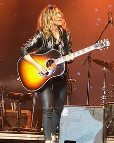 Listen to every Sheryl Crow track @ Iomoio Sheryl Crow, Rock Concert, Cute Jackets, Girls, Singer, Live Rock, Entertainment, Women, Musicians
