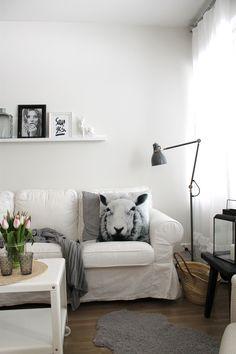 Livingroom, Tulips, Sheep cushioncover, White, Decor, Ikea