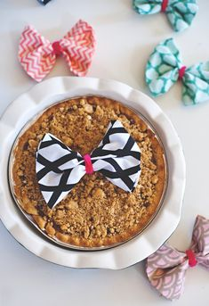 wreaths & pies with bows http://asubtlerevelry.com/bow-topped-pies/