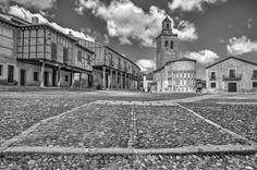 www.elfoton.com #elfoton14 @elfoton_es #categoria #Arquitecturaypatrimoniocultural #sinfiltros #instagram Usuario: ANAVARRO (España) - Plaza Mayor de Arévalo - Tomada en Arévalo el 18/03/2014
