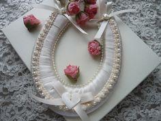 Ivory Wedding Horseshoe £15.50