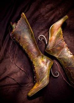 High green leaf boot