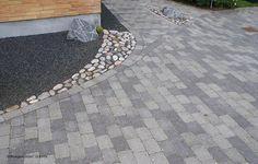 IBF Holmegaardsten er mer enn bare en belegningsstein, den består av en hel serie med elegante og eklusive betongprodukter, med mange dimensjoner, varianter og farger godt tilpasset hverandre.  Holmegaardsten kan benyttes til alt fra terrasser, og hagemurer til innkjørsler, parkeringsplasser, torv og veier.Holmegaardstein beleginngsstein leverer tykkelsene 5,5 cm og 7 cm, der 5,5 cm er minstemål for områder med lett biltrafikk, som f.eks parkering, biloppstillingsplas...