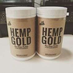 Double the deliciousness // #HempGold at @alamoanabowls inside of Blue Hawaii Surf Ala Moana // Grab one of their #acai bowls and #hemp smoothies!  //