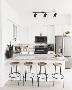 3 Natural Tips AND Tricks: Minimalist Decor With Color Chairs minimalist home bathroom mirror.Minimalist Decor With Color Chairs extreme minimalist home minimalism.Minimalist Home Design Kitchen White. Apartment Kitchen, Home Decor Kitchen, Kitchen Interior, New Kitchen, Home Kitchens, Kitchen Ideas, Kitchen White, Kitchen Island, Kitchen Cabinets
