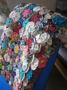 Challenging Arts & Crafts: Yoyo Quilt