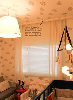 Wallpaper on the ceiling. #decor #kids #children #interior #design #casadevalentina