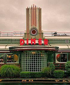 Art Deco diner facade, made of stainless steel, porcelain enamel and neon signage. Vintage Diner, Retro Diner, 1950s Diner, Bauhaus, Art Nouveau Arquitectura, Streamline Moderne, American Diner, Art Deco Buildings, Art Deco Period