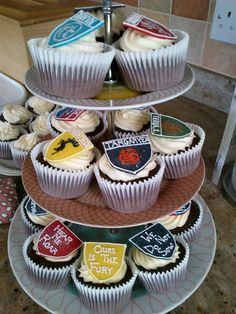 Game of Thrones cupcakes - might try these for RSPCA Cupcake Day