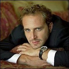 Josh Lucas hotttt...loved him in sweet home alabama