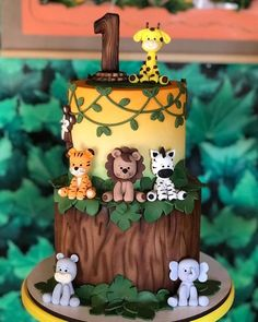 Safari Party: 70 tips and step by step for an animal party - João 1 at . - Safari Party: 70 tips and step by step for an animal party – João 1 at … - Jungle Birthday Cakes, Jungle Theme Cakes, Safari Theme Birthday, Animal Birthday Cakes, Boys First Birthday Party Ideas, Safari Cakes, Baby Boy 1st Birthday Party, Themed Birthday Cakes, Birthday Party Themes