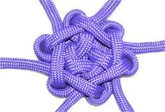 Star Knot - looks pretty easy, just need some cool paracord!