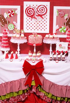 Candy Land Christmas Party - Karas Party Ideas - The Place for All Things Party great christmas desserts Candy Land Christmas, Christmas Party Themes, Noel Christmas, Christmas Goodies, Christmas Treats, Christmas And New Year, All Things Christmas, Winter Christmas, Holiday Parties